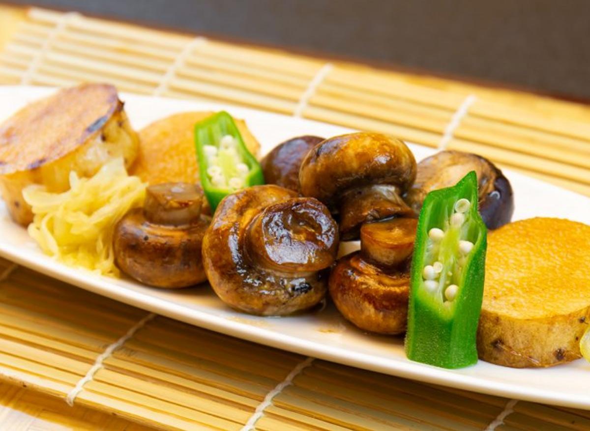 八幡平マッシュルームと長芋のバター醬油焼き
